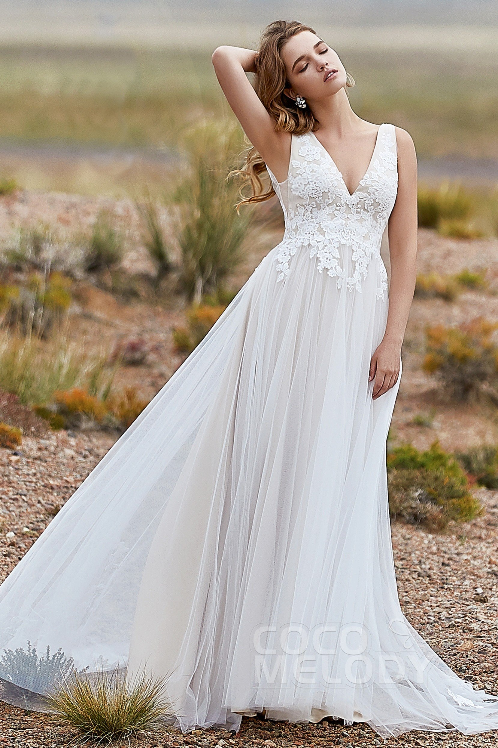 d9099b0447c14 Chic Sweep-Brush Train Wedding Dress with Appliques LD5833 | Cocomelody