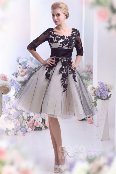 Cocomelody short wedding dresses reception dresses casual a line square half sleeve knee length tulle wedding dress with appliques cwzk13002 junglespirit Images